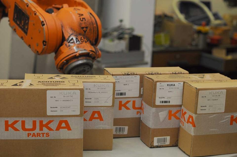 robotpartner ersatzteile karton W29D8A XL 123 - Kuka Robot Parts
